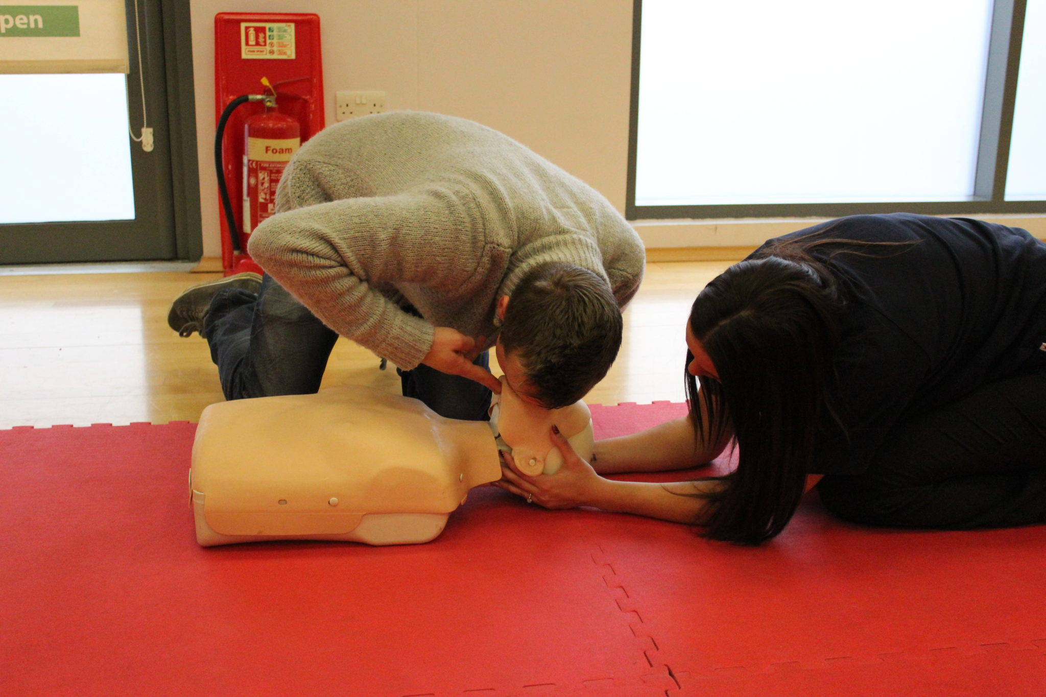 First aid magna vitae for Horncastle swimming pool opening times